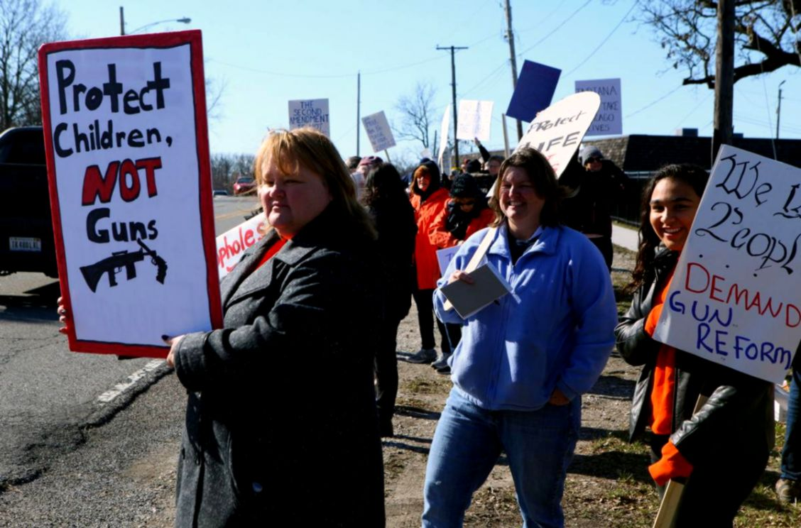 Protests dont prevent Lake County Fairgrounds gun shows from