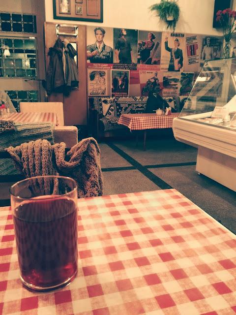 wnętrze baru PRL