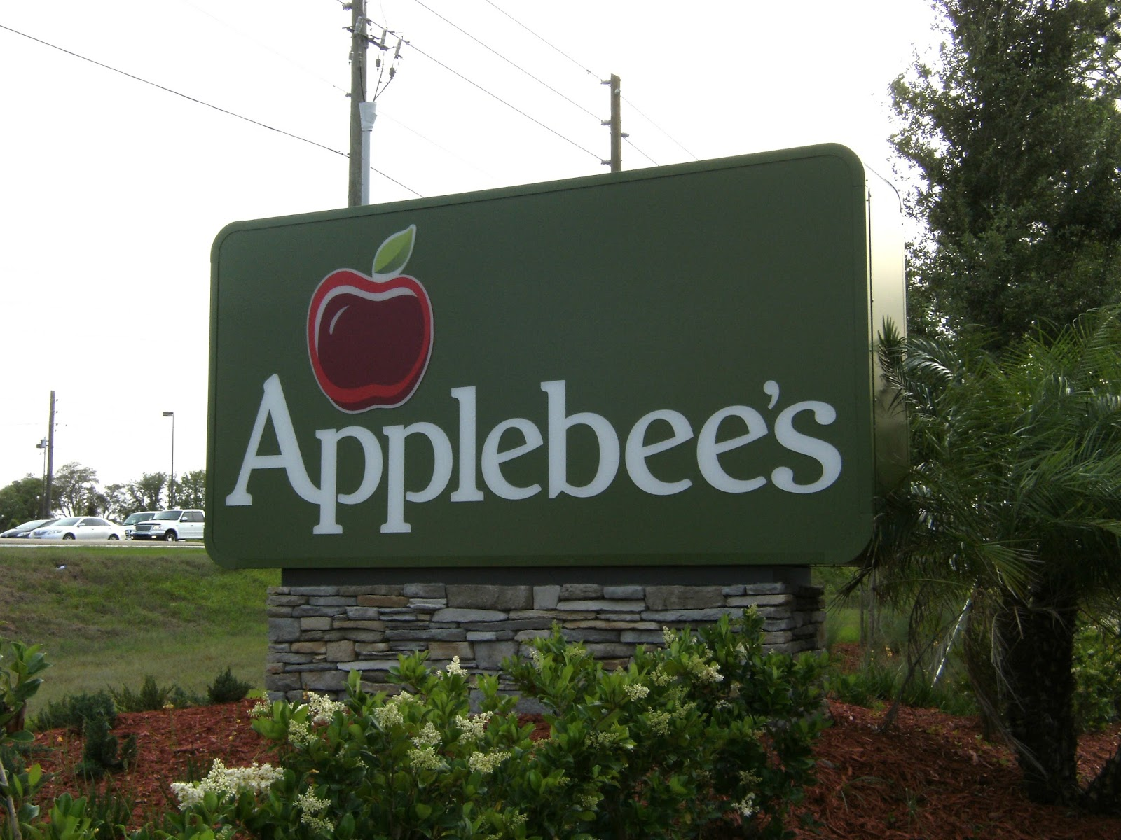Applebees Sign