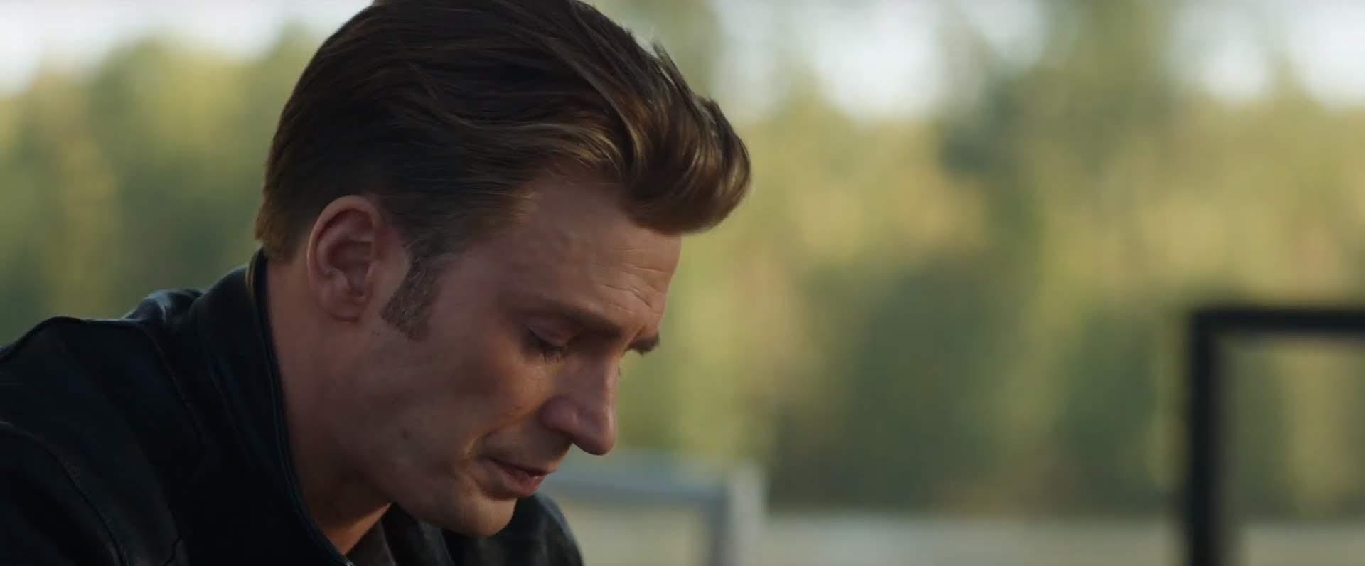 The Avengers - Gag Reel :「エンドゲーム」はきっと泣いてしまいそうだからと予感し、今のうちにせいぜい笑っておきたいマーベル・ファンの方は、過去の「アベンジャーズ」の NG 集をお楽しみください ! !