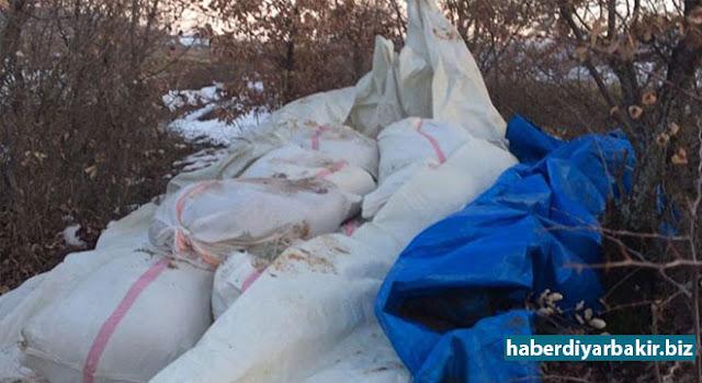 DİYARBAKIR-Diyarbakır'ın Lice, Hazro ve Kocaköy ilçelerinde birçok mühimmat, 5 ton 184 kilo esrar ve 133 tabancanın ele geçirildiği baskınlarda14 kişi gözaltına alındı.