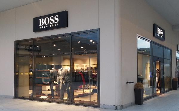 Hugo Boss Outlet Castagno Brand Village