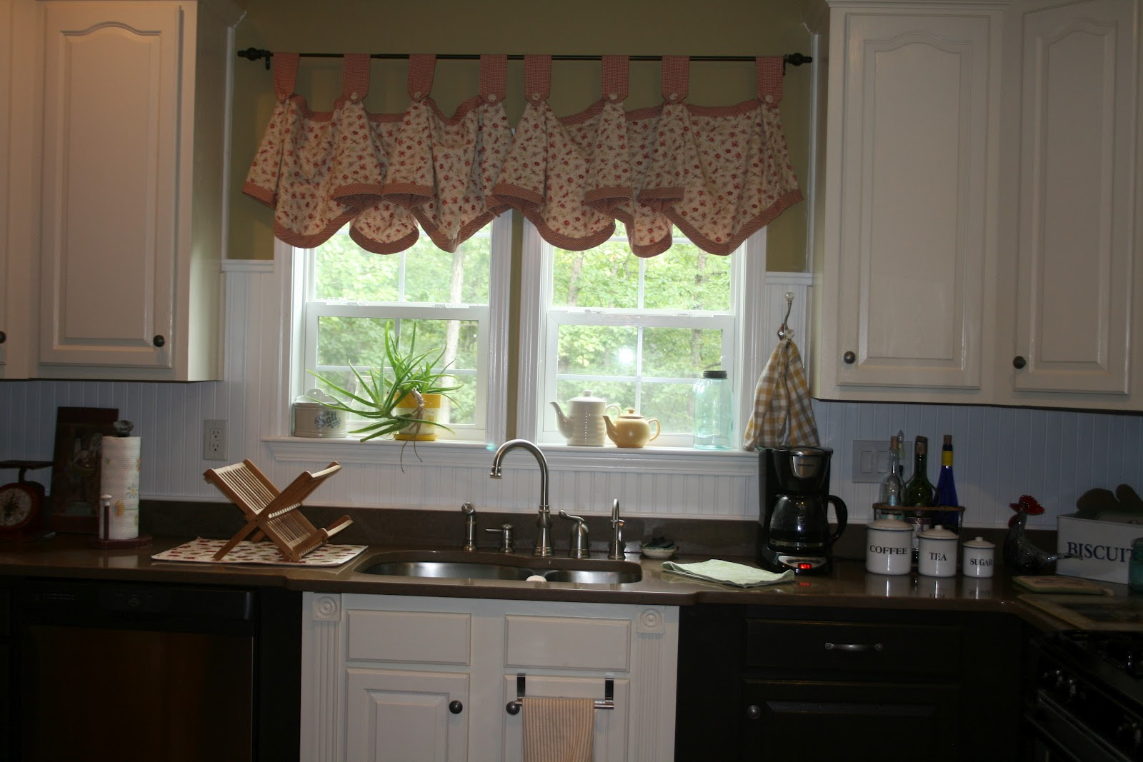 The Old Cupboard Door: Kitch, Kitch