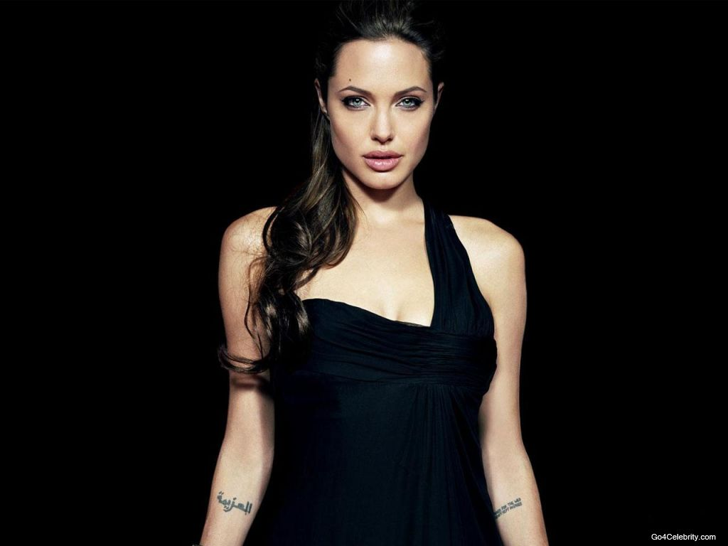 Angelina Jolie: Hollywood Actress Angelina Jolie Sexy Wallpapers