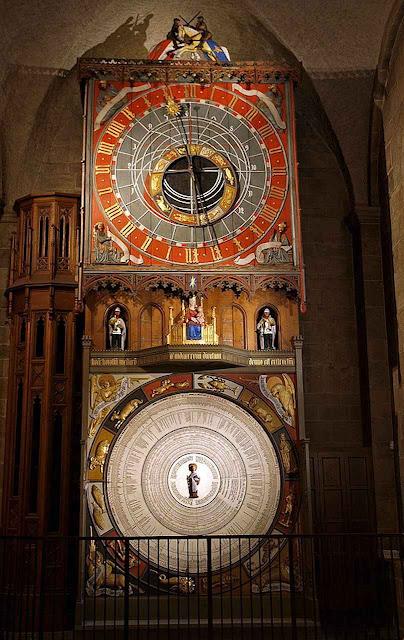 Relógio astronômico na catedral de Lund, Suécia