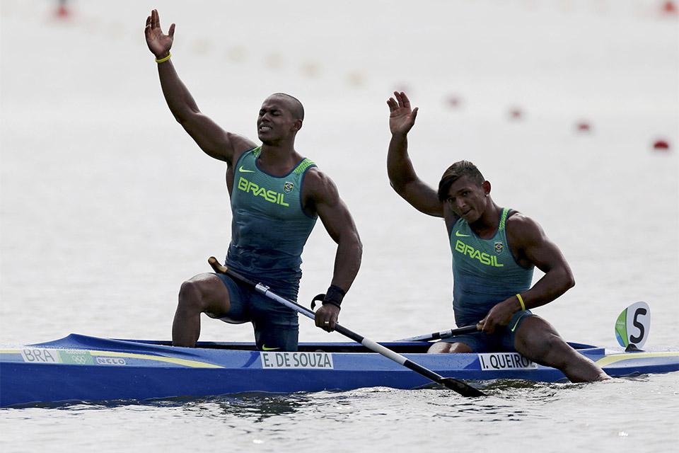 Com Erlon Silva, Isaquias Queiroz conquista medalha de prata na prova canoa dupla 1000m. Foto: Reuters/Murad Sezer/Direitos Reservados