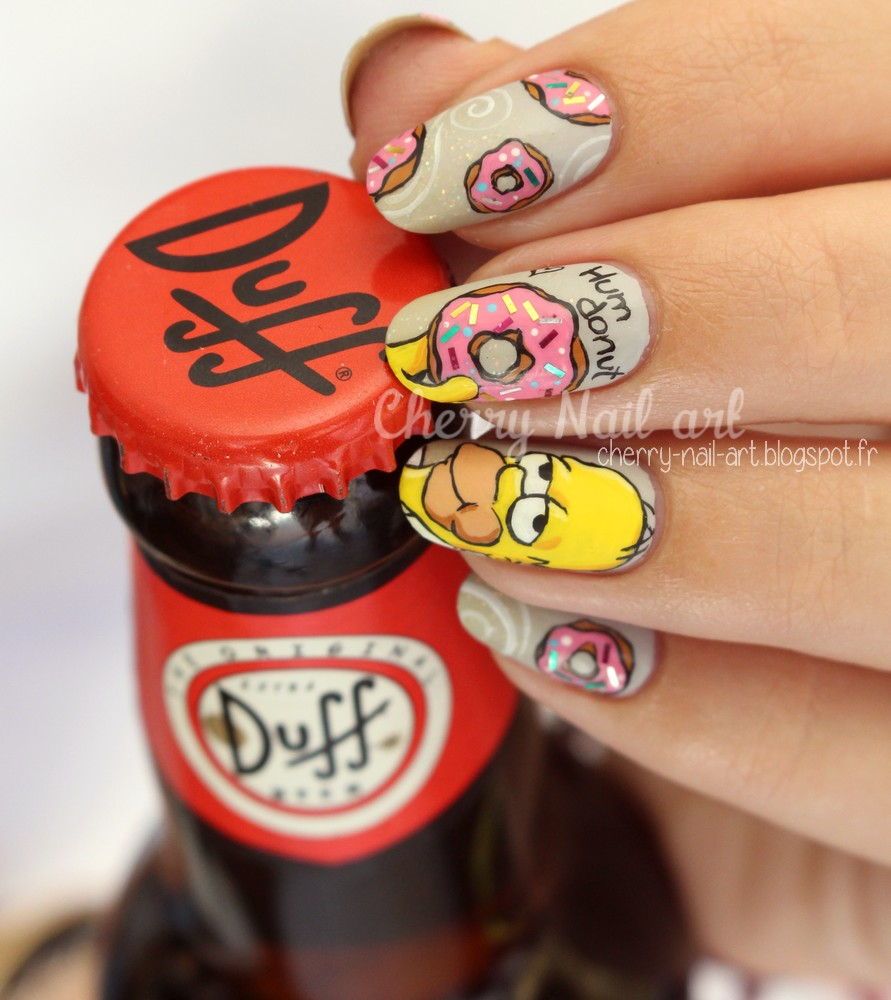 nail art simpson homer et donuts