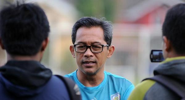 Pelatih Arema Heran Sama Persija Jakarta yang Terpuruk Dipapan Bawah Klasemen