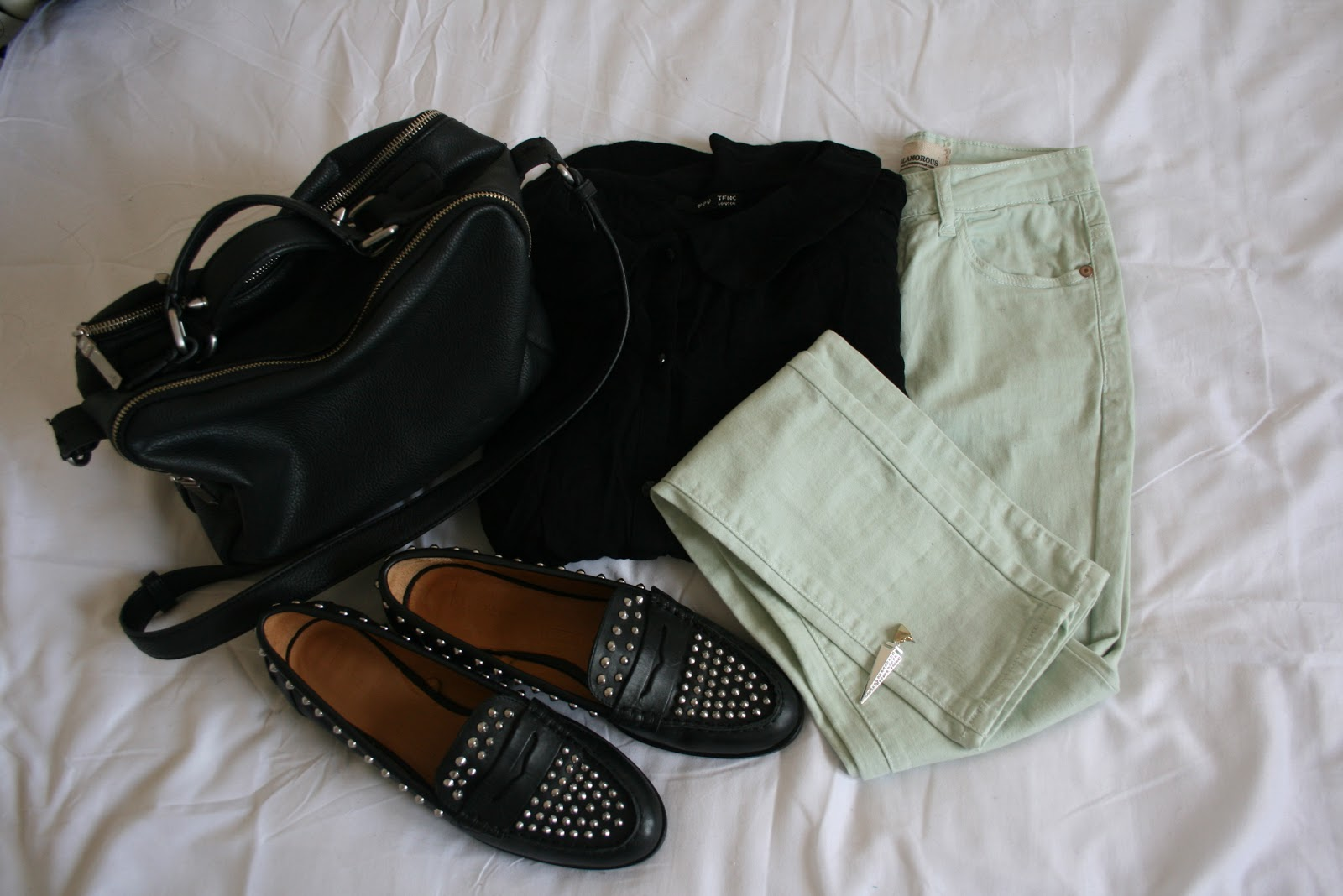 0c1405d333c shirt  TFNC jeans  Unknown earring  New Look bag   shoes  Zara