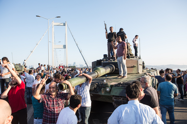 But the situation is far from quiet and peaceful in Turkey. Just today, 2.700 judges were suspended from their posts, in an apparent attempt by the government to curb alleged opposition in the judiciary. Conflict in the south-east of the country continues with no prospect of a return to the negotiating table, after Erdogan rejected an almost complete agreement in 2015.