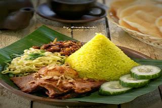 https://rahasia-dapurkita.blogspot.com/2017/11/beginilah-cara-membuat-nasi-kuning.html