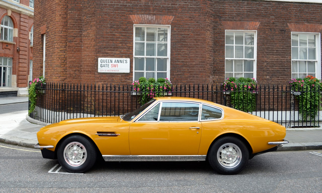 1970 aston martin dbs from the persuaders photos latest auto design. Black Bedroom Furniture Sets. Home Design Ideas