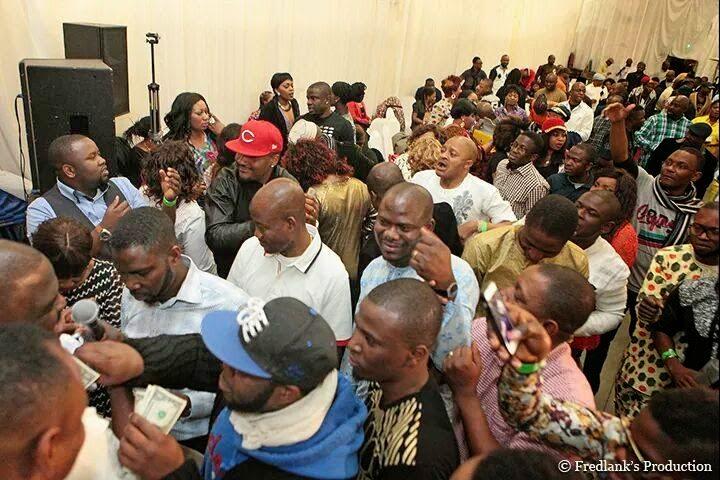 nigerians spraying money obesere