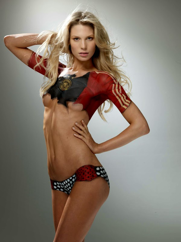 sara brander desnuda modelo alemana bodypaint