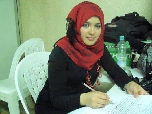 سيدة لبنانية اقيم فى امريكا ابحث عن زوج عربي متفتح مثقف