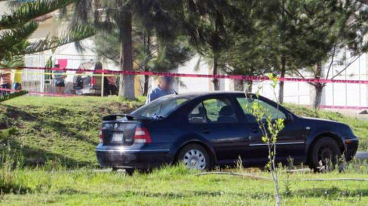 Dejan cinco cuerpos ejecutados en el interior de un vehículo en Zamora, Michoacán