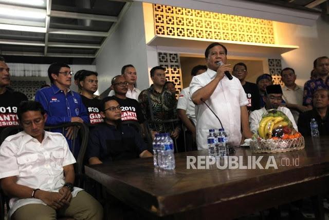 Ke Hanafi Rais, Prabowo: Anda Lebih Ganteng dari Amien Rais