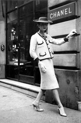 Lady's suit - Chanel Tailleur