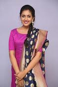Madhu Shalini laest glam pics-thumbnail-3