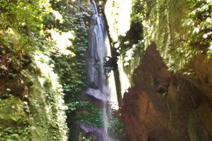 Air terjun Peng Empu di Sangeh
