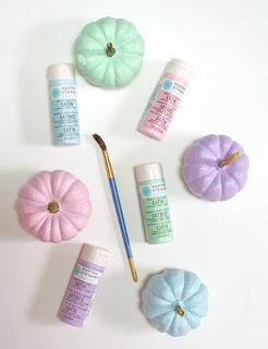 20 Idee Per Decorare Le Zucche Di Halloween Fai-da-te: colori pastello