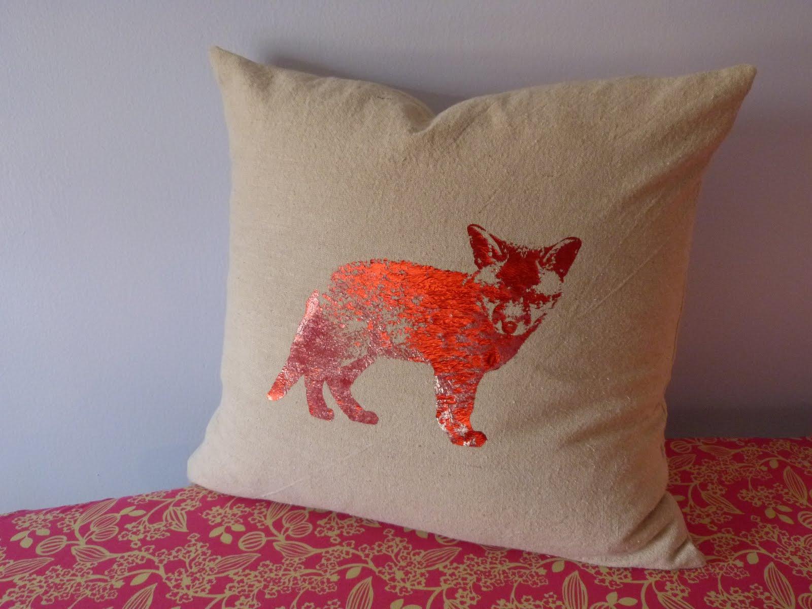 EmmylouBeeDoo!: Foxy Pillow is Foxy