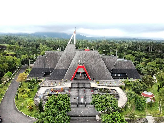 Tour Wisata liburan Ke Museum Gunung Api Merapi, Yogyakarta