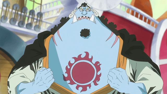 Sebagai mantan budak dan anggota bajak laut matahari, Jinbe memiliki tato matahari di dadanya