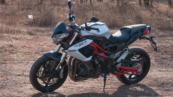 Benelli TNT 899 Pictures Gallery