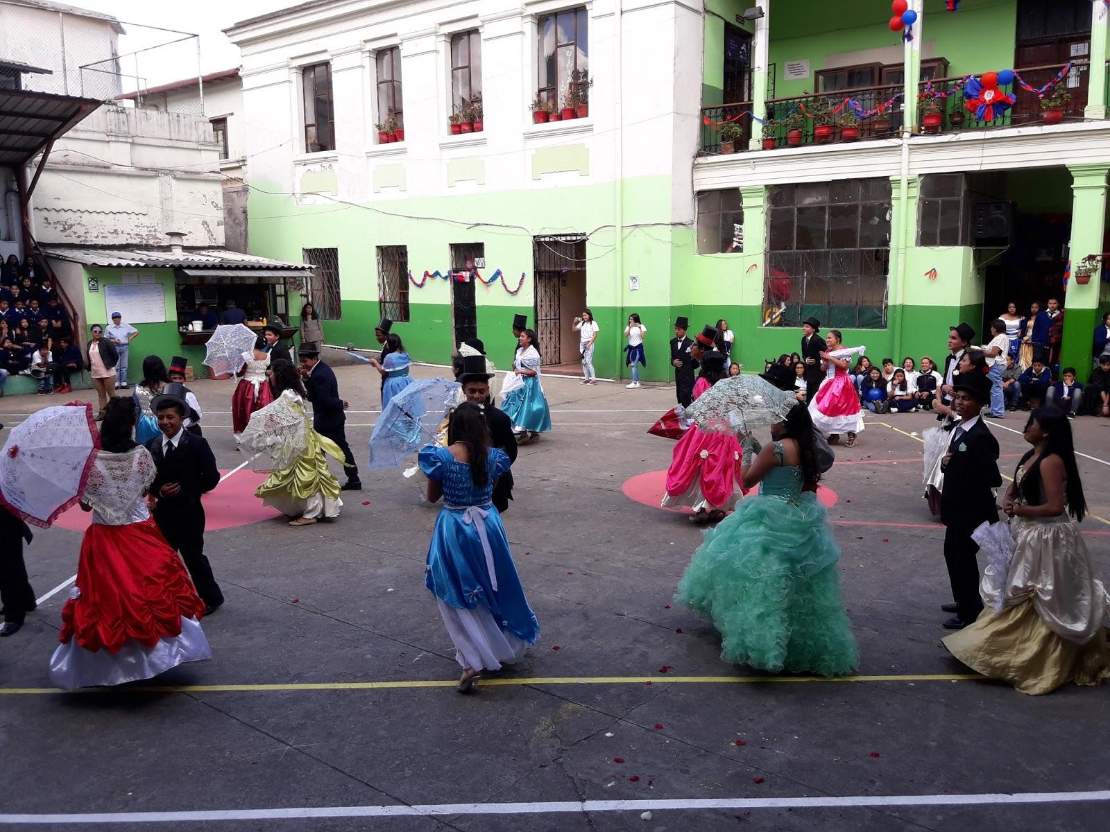 Fiestas De Quito Unidad Educativa 10 De Agosto