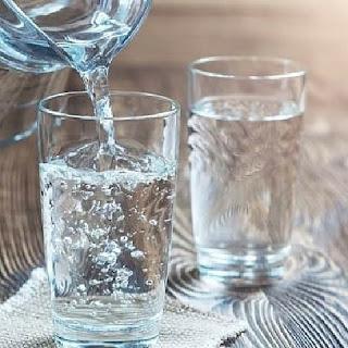 5 Manfaat Minum Air Putih Setelah Bangun Tidur Di Pagi Hari