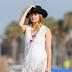 Οι celebrities σου δείχνουν τα νέα trends στο beachwear