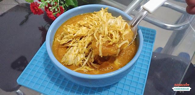 Sopa de abóbora frango