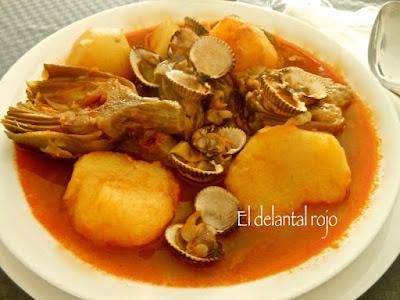 Alcauciles con patatas y almejas.- Andalucía
