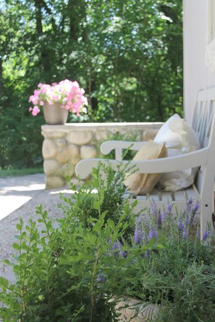 French inspired pea gravel courtyard - Hello Lovely Studio