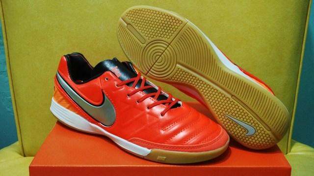 dbf6c2c59 Sepatu Futsal - Nike Tiempo Mystic V Light Crimson - IC