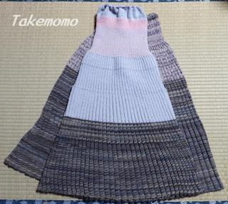 ブルガリアスカート、1枚目と2枚目洗う前の比較