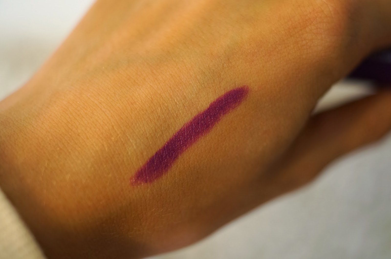 Revlon Colorburst Matte Balm swatch