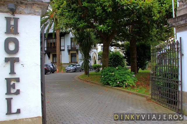Hotel & Apartamentos Arias. Entrada