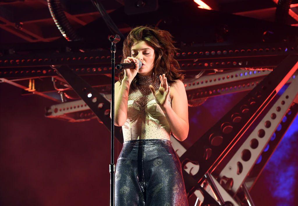 """Lorde presenta nueva canción de su álbum """"Melodrama"""" en Coachella"""