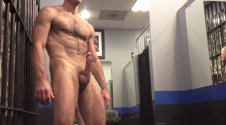 sexo gay Macho maduro na punheta