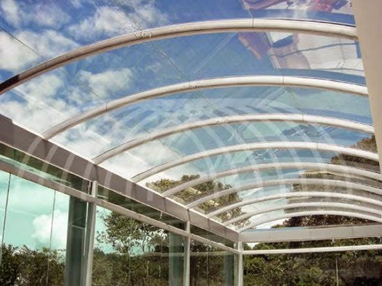 Son los domos de policarbonato superiores a los domos de for Opciones de techos economicos