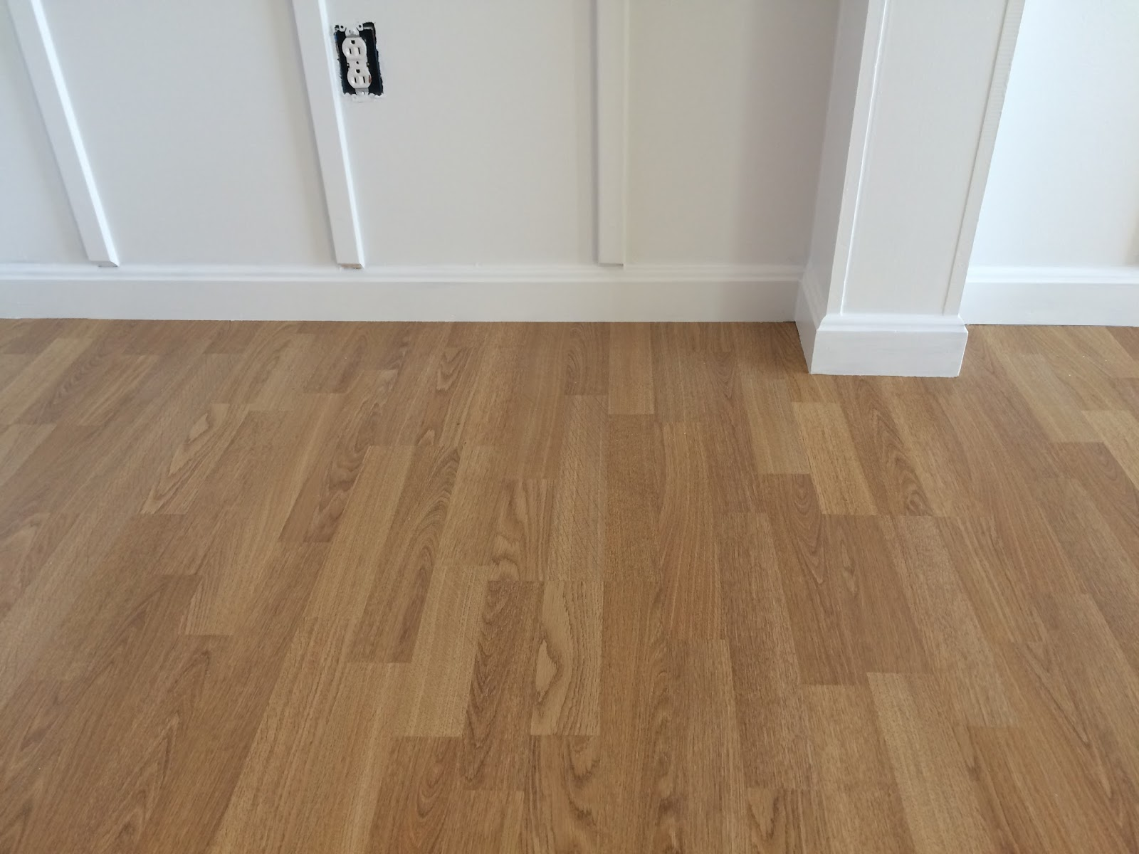 how to get residue off laminate floors