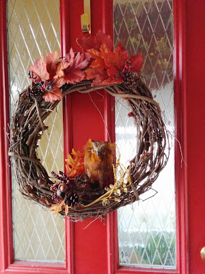 I made this simple Fall Owl wreath for around $14