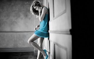 beautiful-girl-standing-alone-in-love-feelings-image.jpg