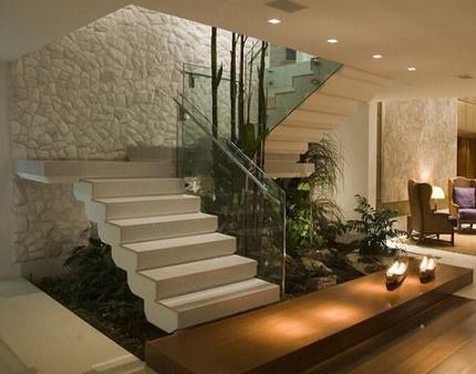 Mi casa con estilo escaleras interiores for Escaleras modernas para casa