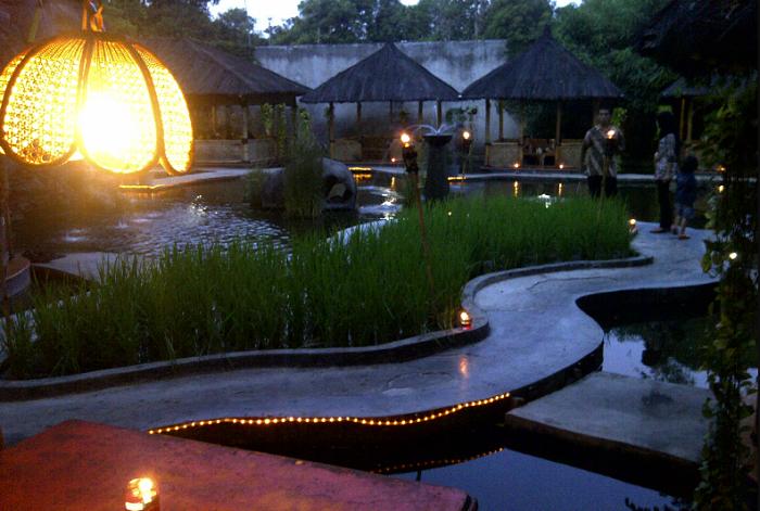 Wisata Bekasi Saung Wulan