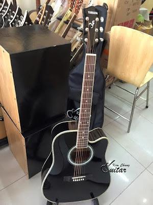 Bán đàn classic Guitar yamaha màu đen sang trọng giá 1 triệu 3