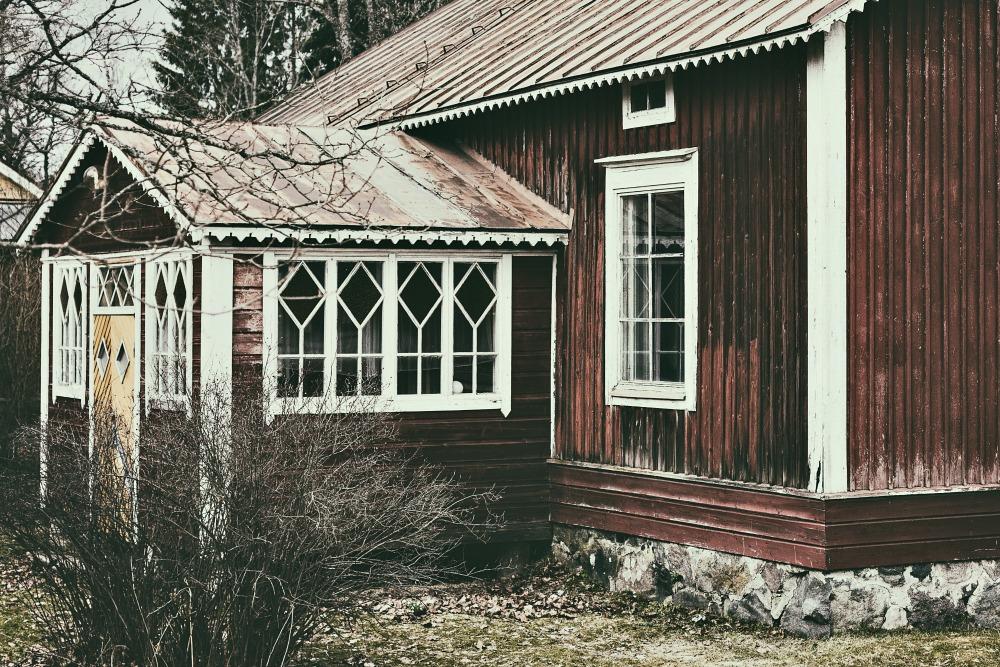 luonto, nature, Espoo, Finland, kevät, spring, Visualaddict, kukka, old, building, architecture, punamultamökki, vanha, rakennus, hirsitalo, naturephotography, outdoors, luontovalokuva, valokuvaaja, Frida Steiner