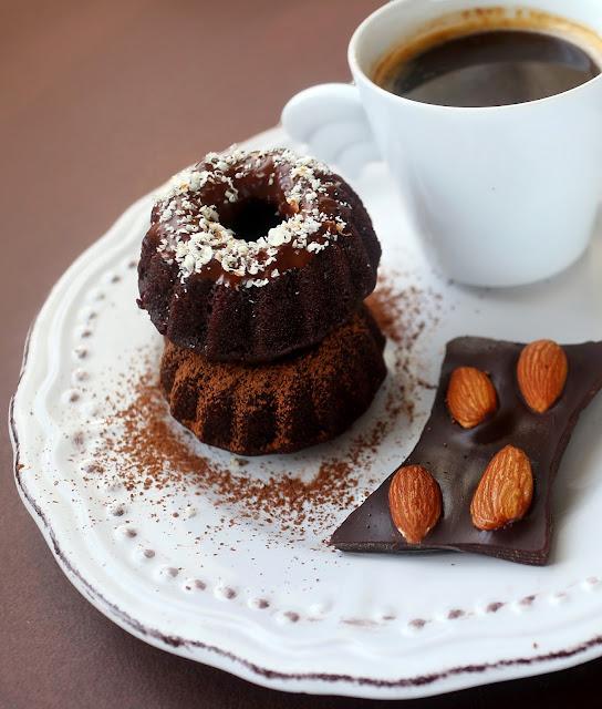 """Веган шоколадово кексче """"брауни"""" за 100 калории"""